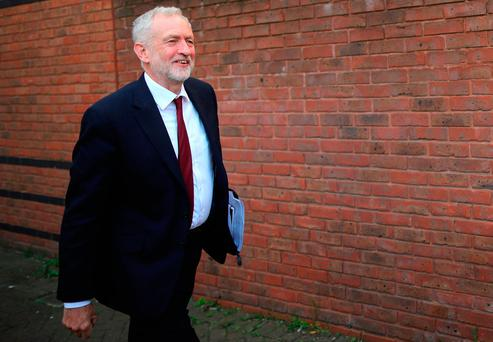 Labour leader says UK election 'establishment vs people' class=