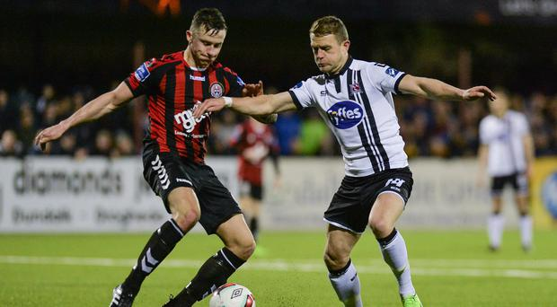 Robert Cornwall of Bohemians in action against Dane Massey of Dundalk during the SSE Airtricity League Premier Division match between Dundalk and Bohemians at Oriel Park in Dundalk, Co. Louth. Photo by Piaras Ó Mídheach/Sportsfile