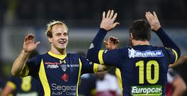 Nick Abendanon, left, and Camille Lopez of ASM Clermont Auvergne celebrates at the final whistle of the European Rugby Champions Cup Pool 5 Round 4 match between ASM Clermont Auvergne and Ulster at Stade Marcel-Michelin in Clermont-Ferrand, France. (Photo By Ramsey Cardy/Sportsfile via Getty Images)