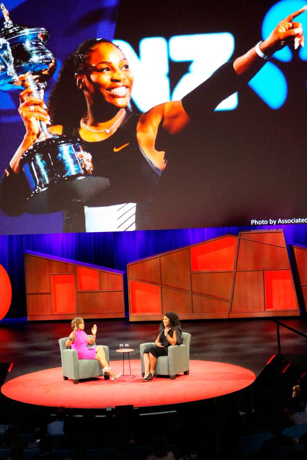 US superstar tennis player Serena Williams (R) discusses her tennis career and pending motherhood with journalist Gayle King during the TED Conference on April 25, 2017 in Vancouver, Canada. / AFP PHOTO / Glenn CHAPMANGLENN CHAPMAN/AFP/Getty Images