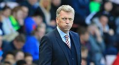 Sunderland's Scottish manager David Moyes gestures on the touchline during the English Premier League football match between Sunderland and West Ham United at the Stadium of Light in Sunderland, north-east England on April 15, 2017. / AFP PHOTO / Lindsey PARNABY
