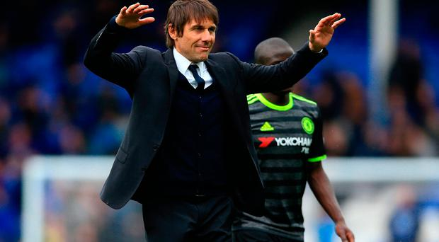 Everton Aim to Halt Chelsea's Title Charge
