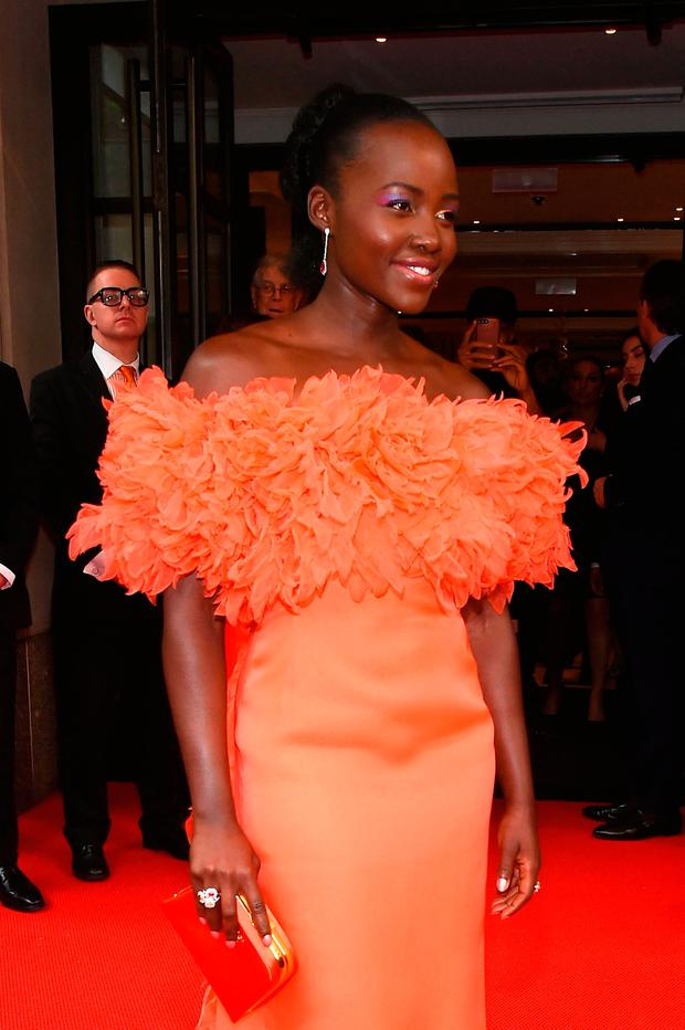 Lupita Nyong'o leaves from The Mark Hotel for the 2017 'Rei Kawakubo/Comme des Garçons: Art of the In-Between' Met Gala on May 1, 2017 in New York City. (Photo by Ben Gabbe/Getty Images for The Mark Hotel)