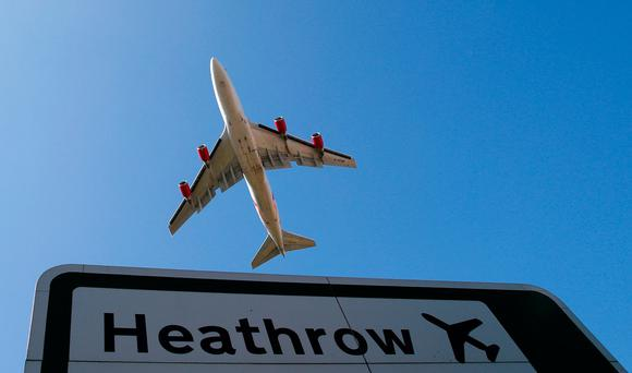 An aircraft takes off from Heathrow airport in west London September 2, 2014. REUTERS/Andrew Winning/File Photo