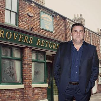 Actor Simon Delaney looks set to join the cast of Corrie