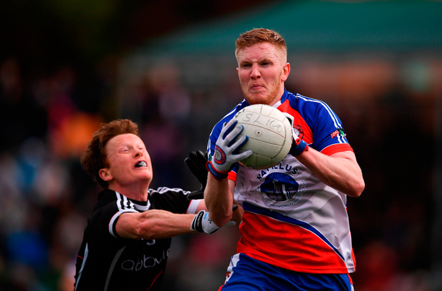 Patrick Boyle of New York in action against Charlie Harrison of Sligo. Photo by Stephen McCarthy/Sportsfile