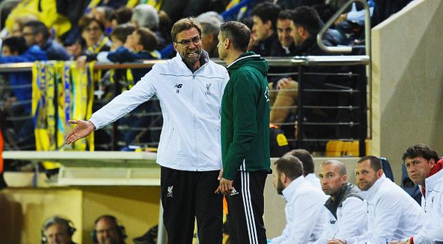 VILLARREAL, SPAIN - APRIL 28: Jurgen Klopp manager of Liverpool appeals to the fourth official during the UEFA Europa League semi final first leg match between Villarreal CF and Liverpool at Estadio El Madrigal on April 28, 2016 in Villarreal, Spain. (Photo by David Ramos/Getty Images)