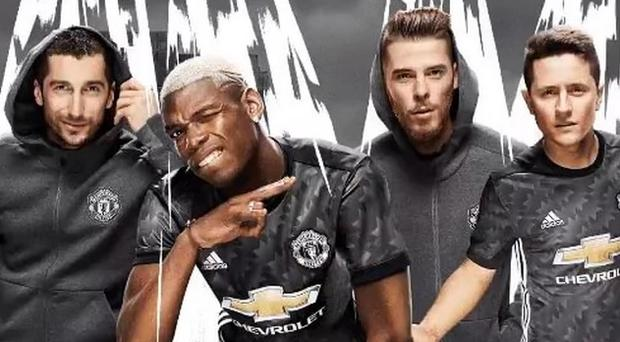 Man Utd's players, De Gea included, with the new away shirt CREDIT: ADIDAS