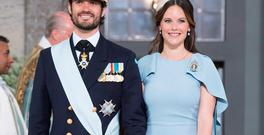 Prince Carl Philip of Sweden and Princess Sofia leave the christening of Prince Oscar at the Royal Chapel in Stockholm on May 27, 2016. / AFP / JONATHAN NACKSTRAND (Photo credit should read JONATHAN NACKSTRAND/AFP/Getty Images)