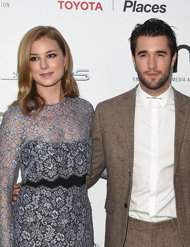 Emily VanCamp engaged to 'Revenge' co-star Josh Bowman