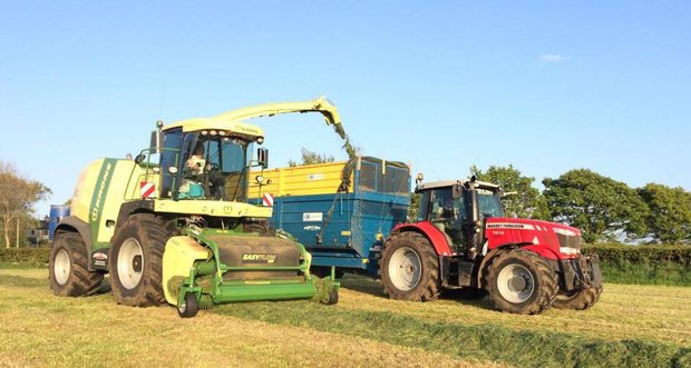 Gamble Bros Agri Contractors cutting silage outside Ballymoney, Antrim.