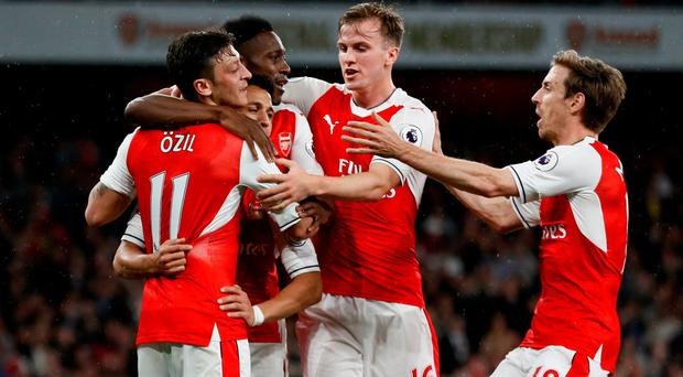 Arsenal keep Champions League qualification hopes alive