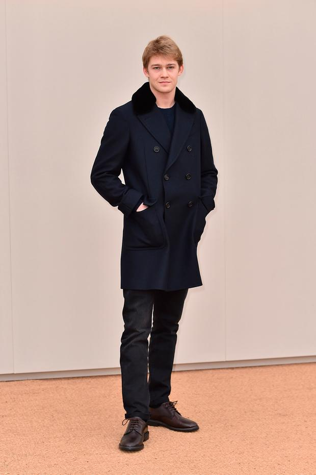 Joe Alwyn wearing Burberry attends the Burberry Menswear January 2016 Show on January 11, 2016 in London, United Kingdom. (Photo by Gareth Cattermole/Getty Images for Burberry)