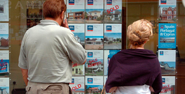 The number of people approved for a mortgage is way ahead of the housing available to buy. Stock Photo: John Cogill/Bloomberg News