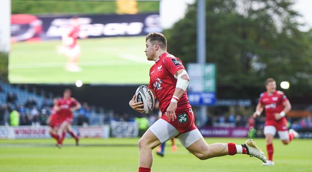 19 May 2017; Steffan Evans of Scarlets on his way to scoring his side's first try during the Guinness PRO12 Semi-Final match between Leinster and Scarlets at the RDS Arena in Dublin. Photo by Ramsey Cardy/Sportsfile