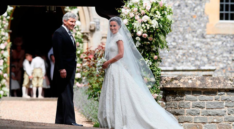 Is this the dress pippa middleton wore for her wedding reception junglespirit Images