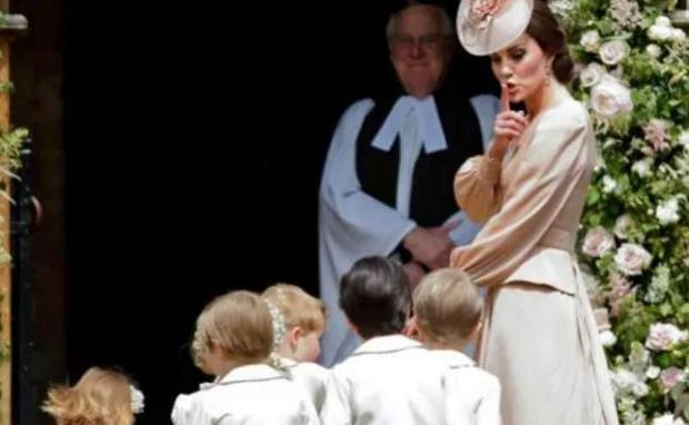 Prince George and Princess Charlotte looked utterly adorable dressed up as pageboy