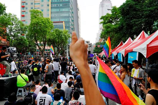Supporters take part in a rally ahead of Taiwan's top court ruling on same-sex marriage case which will decide whether it will become the first place in Asia to recognise same-sex marriage, in Taipei, Taiwan May 24, 2017. REUTERS/Tyrone Siu