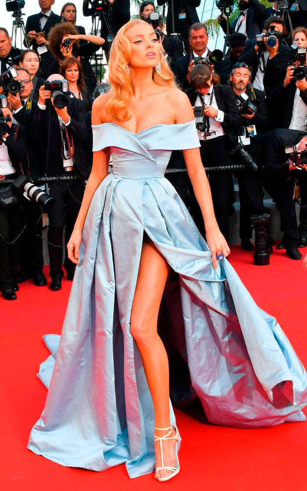 Swedish model Elsa Hosk poses as she arrives on May 24, 2017 for the screening of the film 'The Beguiled' at the 70th edition of the Cannes Film Festival in Cannes, southern France. / AFP PHOTO / LOIC VENANCELOIC VENANCE/AFP/Getty Images