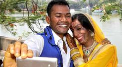 Acid attack victim Lalita Ben Bansi marries with Ravi Shankar at Thane Registration office.
