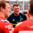 Donnacha Ryan is applauded off the pitch by Scarlets players after his last game for Munster on Saturday. Photo: Diarmuid Greene/Sportsfile