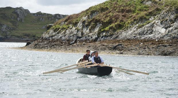 543currach launch on boffin - Copy.jpg