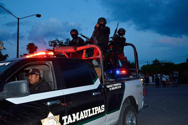 Policemen take part in a police operation to regain control of a prison, in Ciudad Victoria, in Tamaulipas state, Mexico, June 6, 2017. REUTERS/Stringer