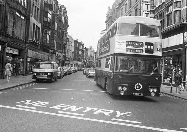 Scenes from Grafton Street, Dublin, circa June 1971 (Part of the Independent Newspapers Ireland/NLI Collection).