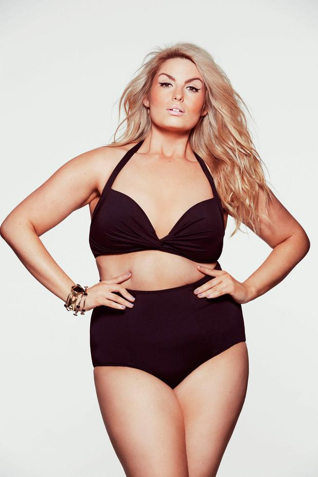 irish plus size model louise o 39 reilly lands biggest. Black Bedroom Furniture Sets. Home Design Ideas