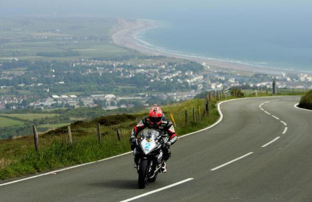 Adrian Archibald in action through Guthries during the PokerStars TT Supersport Junior race at the Isle of Man TT (Tourist Trophy) Races on Jun 6, 2007 in Isle of Man. (Photo by Ian Walton/Getty Images)