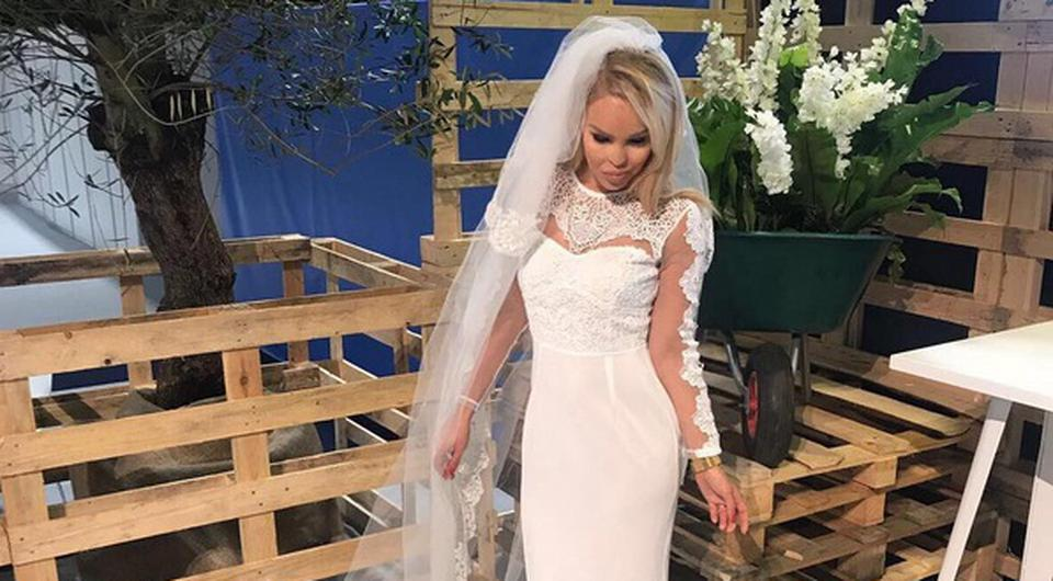 Real Weddings Instagram: Katie Piper Stuns As She Gives Wedding Dress Another Outing