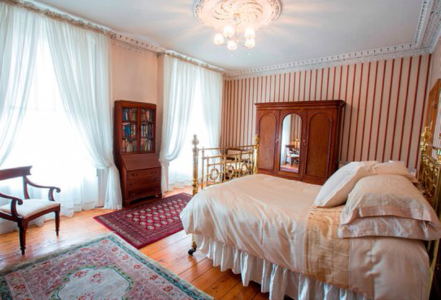 The main bedroom of No 166