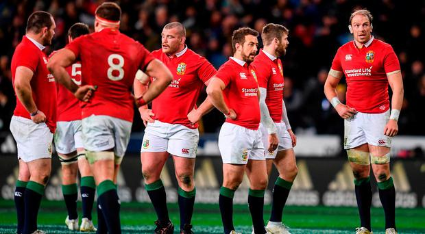 Alun Wyn Jones and his British and Irish Lions team-mates following the match between the Highlanders and the British & Irish Lions at Forsyth Barr Stadium in Dunedin, New Zealand. Photo by Stephen McCarthy/Sportsfile