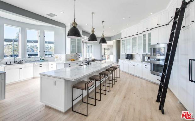 Kylie Jenner's Beverly Hills home is on the market for €31m. Image: Zoopla.co.uk
