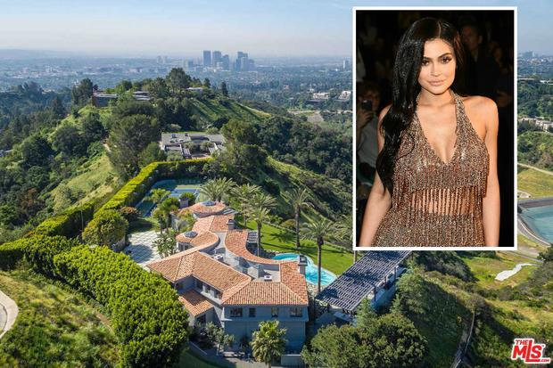 Kylie Jenner's (inset) Beverly Hills home is on the market for €31m.