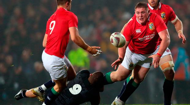 British and Irish Lions' Tadhg Furlong receives an offload from Conor Murray during the Tour match at the Rotorua International Stadium. PRESS ASSOCIATION Photo. Picture date: Saturday June 17, 2017. See PA story RUGBYU Lions. Photo credit should read: David Davies/PA Wire. RESTRICTIONS: Editorial use only. No commercial use or obscuring of sponsor logos. Editorial use only. No commercial use or obscuring of sponsor logos.