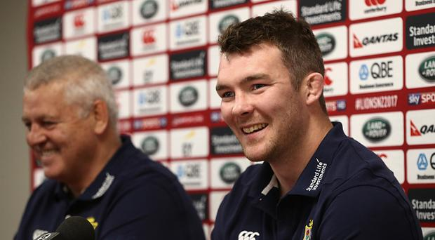 Peter O'Mahony (R) alongside head coach Warren Gatland (Photo by David Rogers/Getty Images)