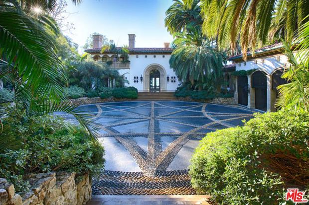The power couple are currently residing in the 10-bedroom property in Malibu, Los Angeles,