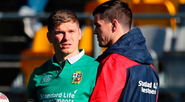 Owen Farrell talks to Jonathan Sexton (R) during a Lions training session. Photo: David Rogers/Getty Images