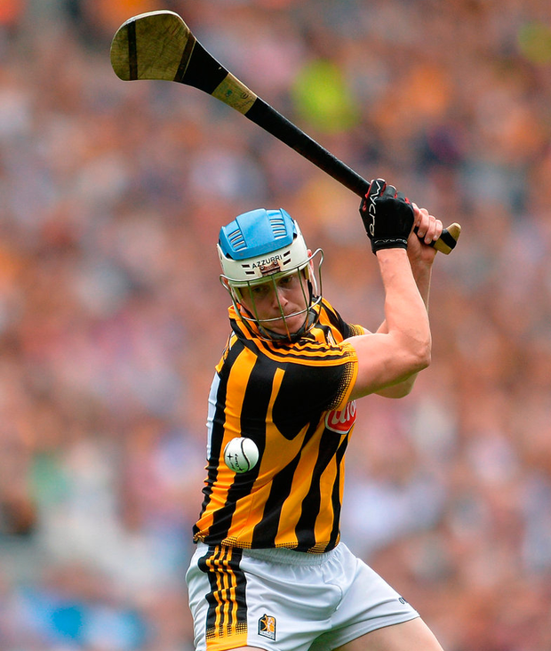 TJ Reid of Kilkenny scoring a point for his side during the GAA Hurling All-Ireland Senior Championship Semi-Final match between Kilkenny and Waterford at Croke Park in Dublin. Photo by Eóin Noonan/Sportsfile
