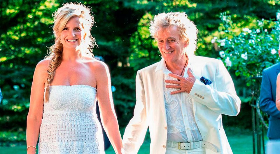 Penny and Rod Stewart at the ceremony in their Essex home, which was photographed by 'Hello!'. Photo: Hello!/PA Wire