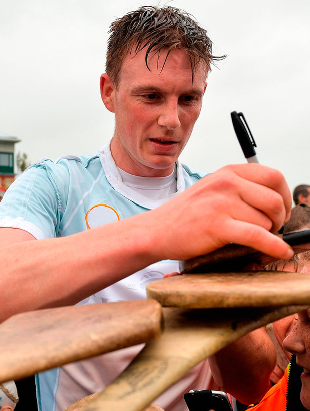 1 July 2017; Austin Gleeson of Waterford signs hurleys for young fans following the GAA Hurling All-Ireland Senior Championship Round 1 match between Offaly and Waterford at Bord na Móna O'Connor Park in Tullamore, Co Offaly. Photo by Sam Barnes/Sportsfile