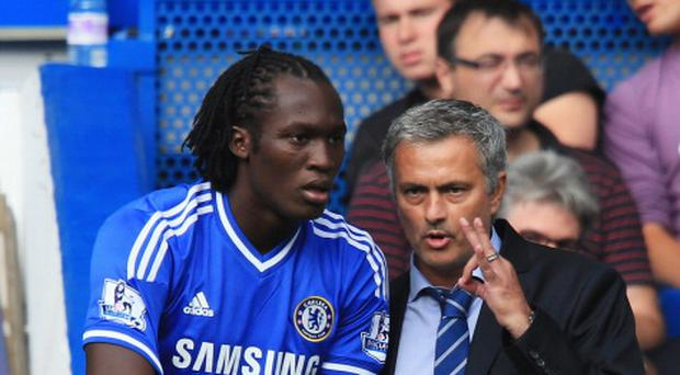 Jose Mourinho talks to Romelu Lukaku during their Chelsea days