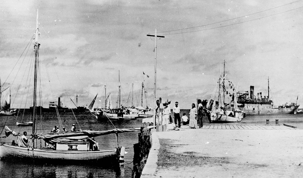 Photo adds to mystery of Earhart disappearance