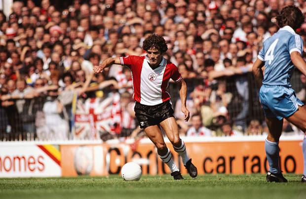 England captain Kevin keegan in action on his Southampton home debut following his move from SV Hamburg, against Manchester City at The Dell on August 16, 1980 in Southampton, England. (Photo by Duncan Raban/Allsport/Getty Images)