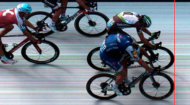 Marcel Kittel wins Stage 7 by six millimetres from Edvald Boasson Hagen. Photo: Getty Images