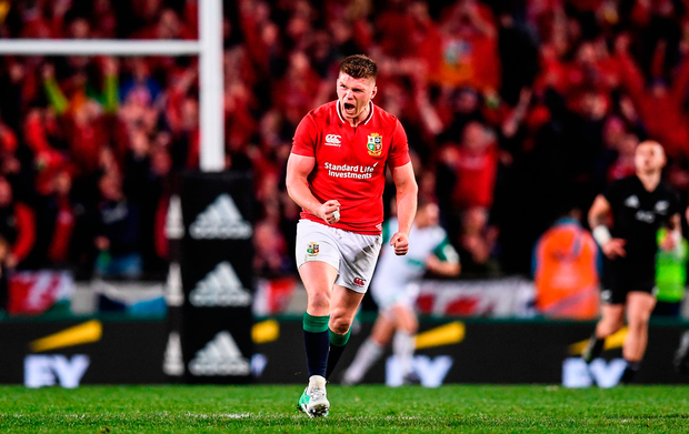 Owen Farrell celebrates converting the series-tying penalty. Photo by Stephen McCarthy/Sportsfile