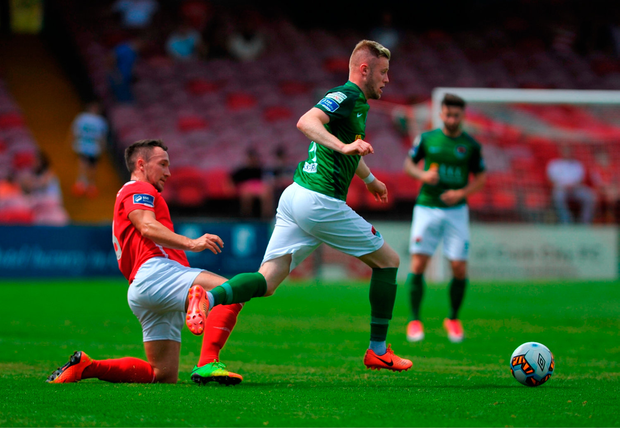 Kevin O'Connor of Cork City evades the tackle of St Patrick's Athletic Graham Kelly. Photo by Doug Minihane/Sportsfile