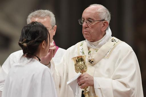 Communion Bread Must Not Be Gluten-Free, Pope Says