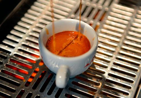 Scientists in Europe and the US have uncovered the clearest evidence yet that drinking coffee reduces the risk of death. Photo: AFP/GETTY
